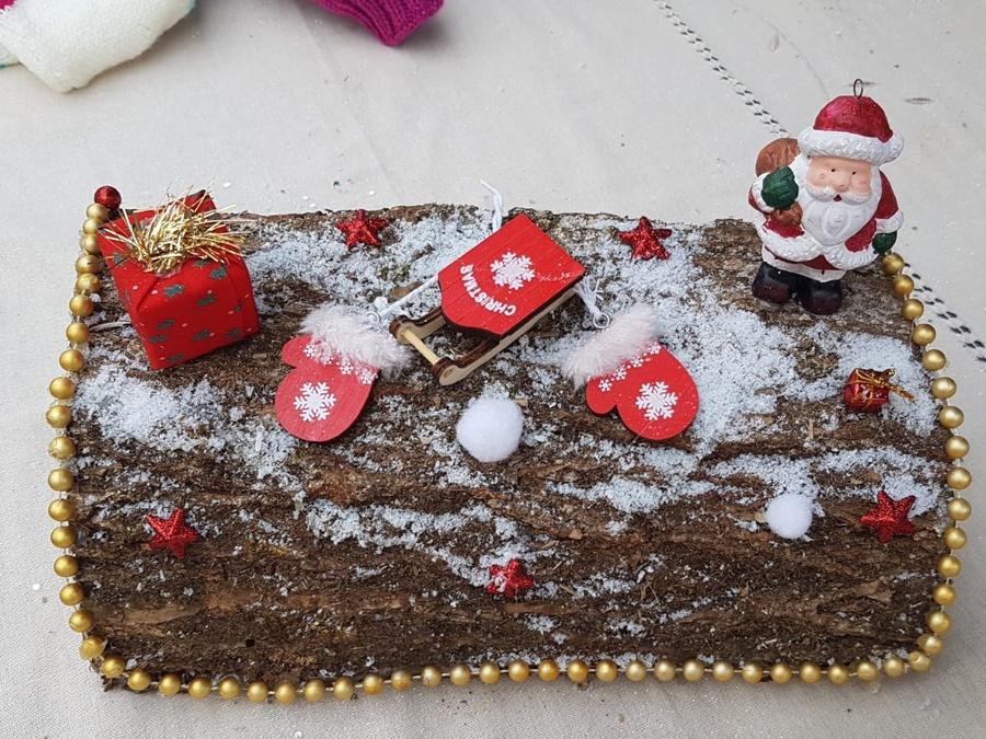 véritable buche de Noël avec décorations